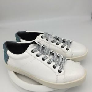 NEW Circus Sam Edelman Women White Sneakers
